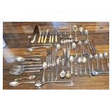 Estate lot of miscellaneous kitchen utensils