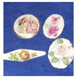 Estate lot of brooches