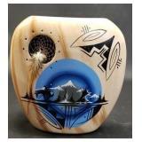 Beautiful hand painted Blackhorse hawajo vase