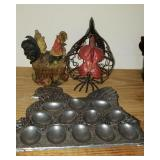 Lot 3 rooster items