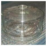 Glass pedestal cake plate with lid
