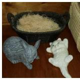 Lot of 2 decor items, and basket, rabbit and cat