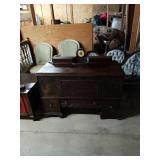 Antique Solid Wood Blanket Chest Middlebury Clock