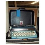 Smith Corona Pica Typewriter In Case