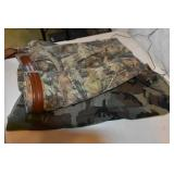Hunting Clothes, Camo, 2 Trousers, about 40 x 32