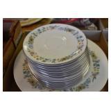Royal Doulton, 4 plates, 6 saucers, Pastorale