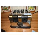 GE Toaster, 4 slice, includes Clock & Tiles
