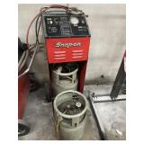 Snap-on Refrigerant recovery and recycling center