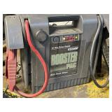 Booster pac es2500 has charger