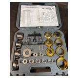 Why a 7960 cam shaft and crankshaft seal tool kit