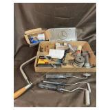 Tool tray lot with spray gun