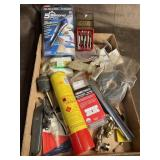 Razor blades and assorted tool lot