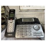 5 Cordless Phones and 1 base