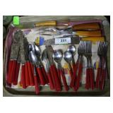 30pcs red handled cutlery & 4 Bakelite carving for