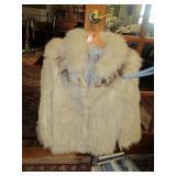 Saga Fox coat w full collar hip length size med