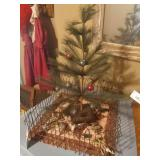 Christmas Tree With Tiny Farm Animals