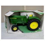 John Deere 5020 tractor. 1:16 scale.