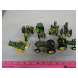1/64 John Deere Christmas Tractors (7)