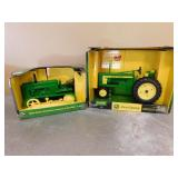 1:16 JD 40 Crawler & 1:16 JD 520 Tractor- In