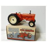 Allis-Chalmers D19 Diesel tractor. 1/16 scale.