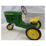 John Deere 10 series 3 hole pedal tractor