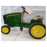 John Deere pedal tractor 7930