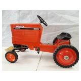 Kubota utility special M9000 pedal tractor