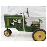 John Deere 620 pedal tractor