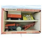 Allis-Chalmers Farm set with Deluxe Barn.