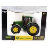 John Deere 7520 tractor. Collector edition.  1/16