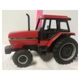 Case International 5130 tractor. 1/16 scale