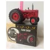 1993 farm show International I-D 9 diesel. 1/16