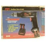 Skil cordless drill. Does come with the batteries