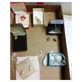 6 pieces of costume jewelry