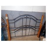 Queen Size Metal& Wood Head & Foot Board w/Rails