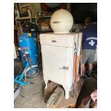 GE Electric Refridgerator