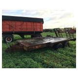 Dual axle flatbed trailer with beaver tail and pin hitch
