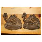 Bookends incl. Camel bookends
