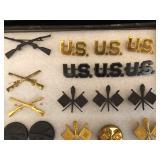 #475 Army U.S. pins, Flag Corps, etc.