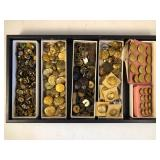 #492 Armed Forces Buttons, pins, extras, etc.