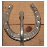 Horseshoe hooks
