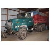 1976 900 Ford tandem axle truck
