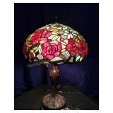 Red Roses Antiqued Slag Glass Table Lamp