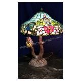 Beautiful Slag Art Glass with Owl Table Lamp
