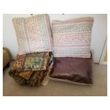 Comforter and Throw Pillows Group Lot