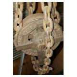Yale Chainfall, Hooks and Chains