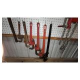Tools: Pipe Wrenches