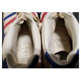 3158: Bob Lanier Detroit Pistons Game Worn Size 20 Shoes