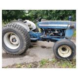 Ford 2000 Tractor with 6682 Hrs.