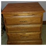 Pristine 3-Drawer Oak Night Stand